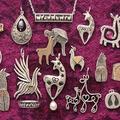 The Llama And Alpaca Jewelry Store Logo